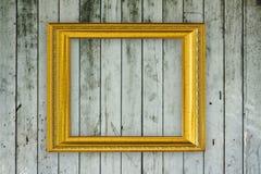 Na starej drewnianej ścianie drewno rama Zdjęcia Stock