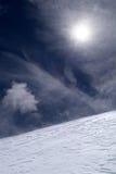 na szczyt wzgórza górski śniegu Fotografia Stock