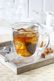 Na tacy lukrowa herbata Fotografia Stock
