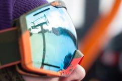 Na telecadeira para esquiar fotografia de stock