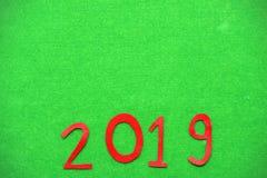 2019 na trawy zieleni tle Zdjęcia Stock