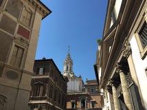 Na ulicach Rzym Widok kościół Święty Iwo fotografia stock