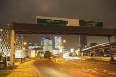 Na ulicie z drapaczami chmur Zdjęcia Stock