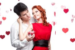 Na valentines dzień młoda uśmiechnięta para Zdjęcia Stock
