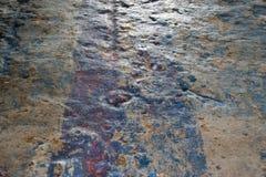 Na verloop van tijd versleten & de gedeukte muur van het Olishedpleister - verouderd tonen eindig - stock afbeeldingen