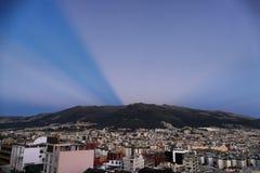 Na volle maan over Quito Pichincha Ecuador royalty-vrije stock foto's
