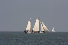 Na wodzie wielka łódź Zdjęcie Royalty Free