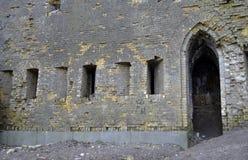Na zewnątrz ściany rujnujący kasztel Obraz Royalty Free