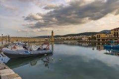 Na zonsondergangmening van Rethymno-haven Stock Afbeeldingen