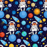 Naadloos beeldverhaal ruimtepatroon - vosastronaut, ruimteschip, planeten, satellieten Royalty-vrije Stock Afbeeldingen