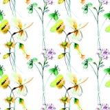 Naadloos behang met gestileerde bloemen Royalty-vrije Stock Afbeelding