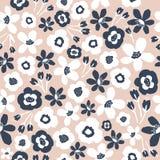 Naadloos BloemenPatroon Hand getrokken digitale illustratie Naakte kleuren met witte en blauwe bloemen royalty-vrije illustratie