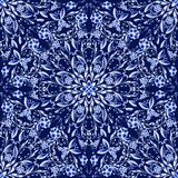 Naadloos bloemenpatroon van cirkelornamenten Donkerblauwe achtergrond in de stijl van het Chinese schilderen op porselein Royalty-vrije Stock Foto's
