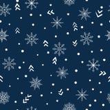 Naadloos de winterpatroon met krabbelsneeuwvlokken Royalty-vrije Stock Foto
