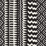 Naadloos etnisch en stammenpatroon Hand getrokken sierstrepen Zwart-witte druk voor uw textiel Vector vector illustratie