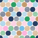 Naadloos kinderachtig abstract kleurrijk puntenpatroon op witte achtergrond royalty-vrije illustratie