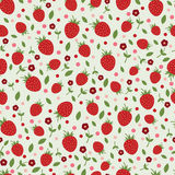 Naadloos patroon met aardbeien en bloemen Royalty-vrije Stock Afbeeldingen