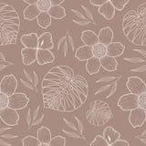Naadloos patroon met beige silhouetten van palmbladen en exotische bloemen op een zachte grijze achtergrond stock illustratie