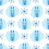 Naadloos patroon met blauwe skis, vlekken en sneeuwvlokken royalty-vrije illustratie