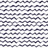 Naadloos patroon met borstelstrepen en golven Zwarte kleur op witte achtergrond Hand geschilderde landhuistextuur inkt Royalty-vrije Stock Foto's