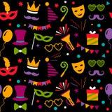 Naadloos patroon met de pictogrammen van Carnaval of van het festival Carnaval, fotografische document en verjaardagspartij Vlakk stock illustratie