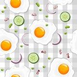 Naadloos patroon met gebraden ei, groene erwt, komkommer, purpere ui royalty-vrije illustratie