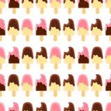Naadloos patroon met geheel en gebeten ijs creame Chocolade en bessensuikerglazuur Stock Fotografie