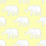 Naadloos patroon met hand getrokken silhouetolifanten Stock Foto