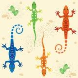 Naadloos patroon met het gekleurde hagedissen lopen stock illustratie