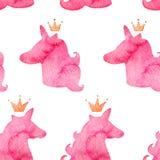 Naadloos patroon met karmozijnrode eenhoorns Waterverf roze silhouet van eenhoorns Fantastisch schepsel, mystiek dier met kroon vector illustratie