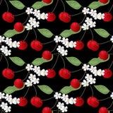 Naadloos patroon met kersen anf bloemen op zwarte Royalty-vrije Stock Afbeelding