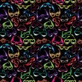 Naadloos patroon met Kleurrijk zonnebrilpictogram dat op zwarte wordt geïsoleerd Stock Foto's