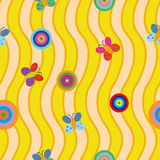 Naadloos patroon met kleurrijke rondes en vlinders op gele achtergrond met golven Royalty-vrije Stock Afbeelding
