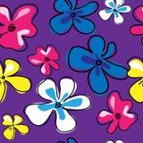 Naadloos patroon met leuke bloemen op een roze achtergrond Stock Foto's