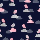 Naadloos patroon met leuke vogels en wolken op dark vector illustratie
