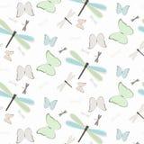 Naadloos patroon met libellen en vlinders royalty-vrije illustratie