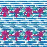 Naadloos patroon met orchideebloemen op het gestreepte grungeblauw Stock Foto's