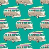 Naadloos patroon met oude bestelwagen met surfplank Retro patroon Stock Afbeeldingen