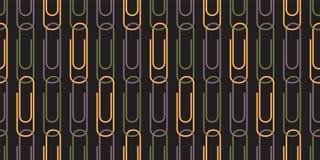 Naadloos Patroon met Paperclippen op Zwarte Achtergrond Stock Afbeelding