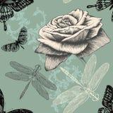 Naadloos patroon met roos, decoratieve vlinders Stock Foto's