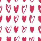 Naadloos patroon met roze hand getrokken harten op witte achtergrond Achtergrond met liefde, hartstocht en het dateren van symbol vector illustratie