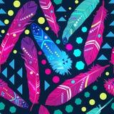 Naadloos patroon met veren in etnische stijl, helder behang Royalty-vrije Stock Afbeelding