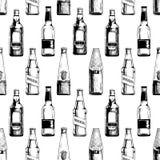 Naadloos patroon met verschillende bierflessen royalty-vrije illustratie