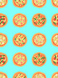 Naadloos patroon met verschillende pizza met inbegrip van margherita, pepperonis, garnalen, ui, Spaanse peperpeper, bacon, tomate Royalty-vrije Stock Foto