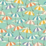 Naadloos patroon in retro stijl met paraplu's royalty-vrije illustratie