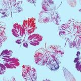 Naadloos patroon van drukken van rood-blauwbladeren op een blauwe achtergrond Vector vector illustratie