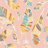 Naadloos patroon van gekleurde veren Stock Afbeeldingen