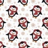 Naadloos patroon voor Kerstmis en Nieuwjaar Vector hand-drawn illustratie van een leuke pinguïn in een rode sjaal en sneeuwvlokke royalty-vrije stock fotografie