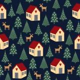 Naadloos retro Kerstmispatroon - gevarieerde Kerstmisbomen, huizen en deers Stock Afbeeldingen
