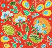 Naadloos rood patroon van bloemen, groene bladeren, gele zaden Stock Foto